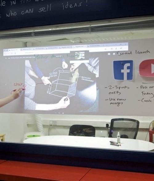 Magnetisk projektor og Whiteboard